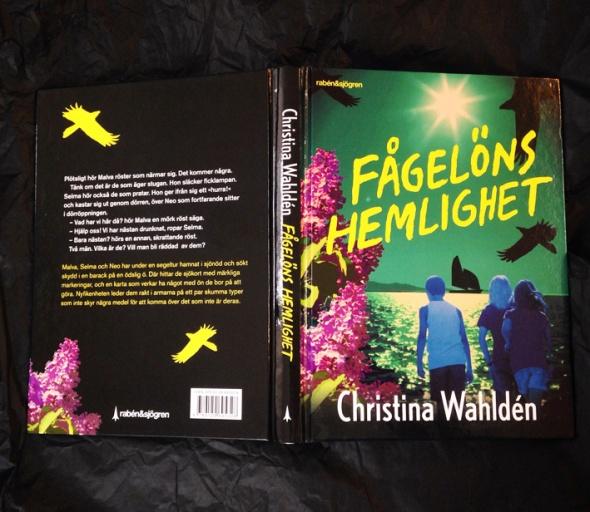 christina_wahlden fågelöns_hemlighet_omslag_eva_lindeberg
